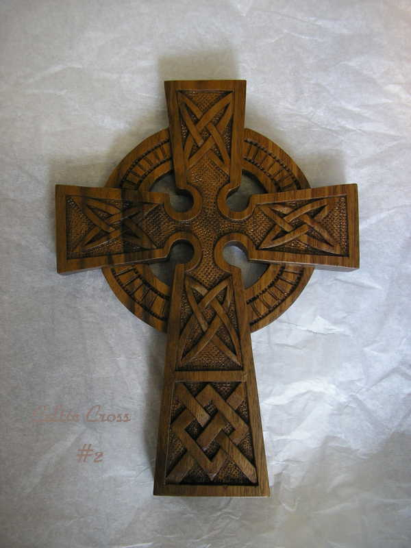Wood_Celtic_Cross_in_solid_wood